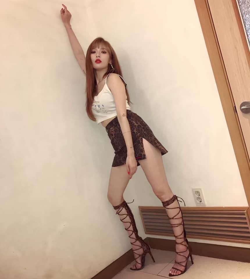 Nữ hoàng sexy HyunA vừa tái xuất đã gây sốc với hành động chưa idol nữ nào dám làm-1