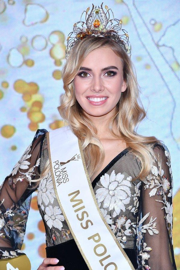Lộ diện 18 thí sinh đầu tiên tại Miss Universe 2019: Quá nhiều nhan sắc nặng ký đang đe dọa Hoàng Thùy-17
