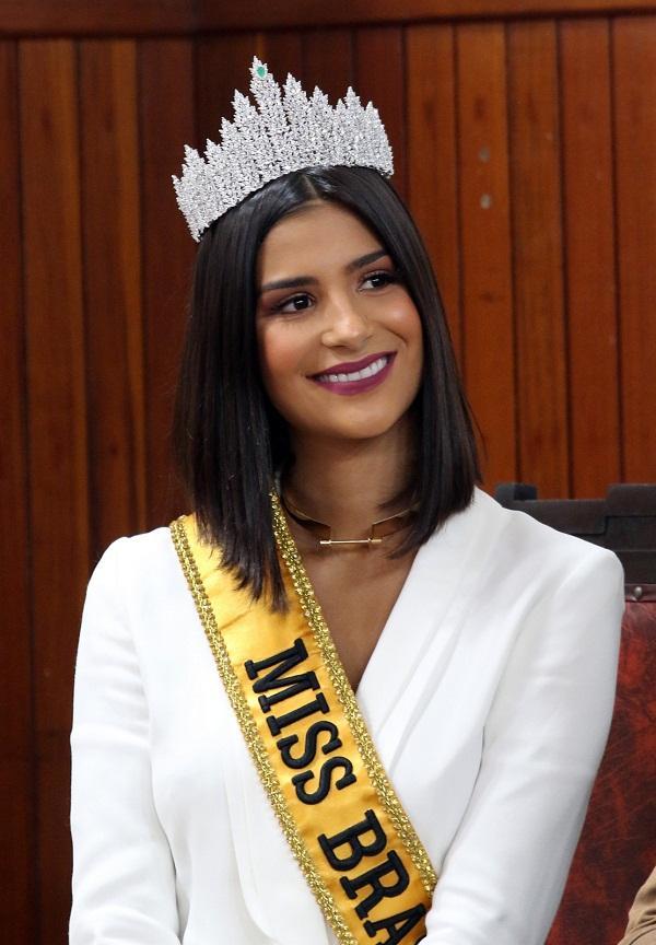 Lộ diện 18 thí sinh đầu tiên tại Miss Universe 2019: Quá nhiều nhan sắc nặng ký đang đe dọa Hoàng Thùy-3