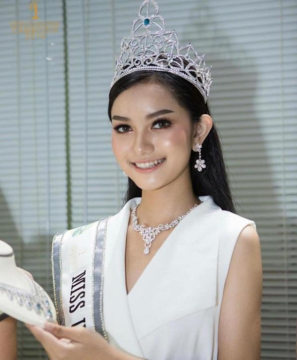 Lộ diện 18 thí sinh đầu tiên tại Miss Universe 2019: Quá nhiều nhan sắc nặng ký đang đe dọa Hoàng Thùy-8