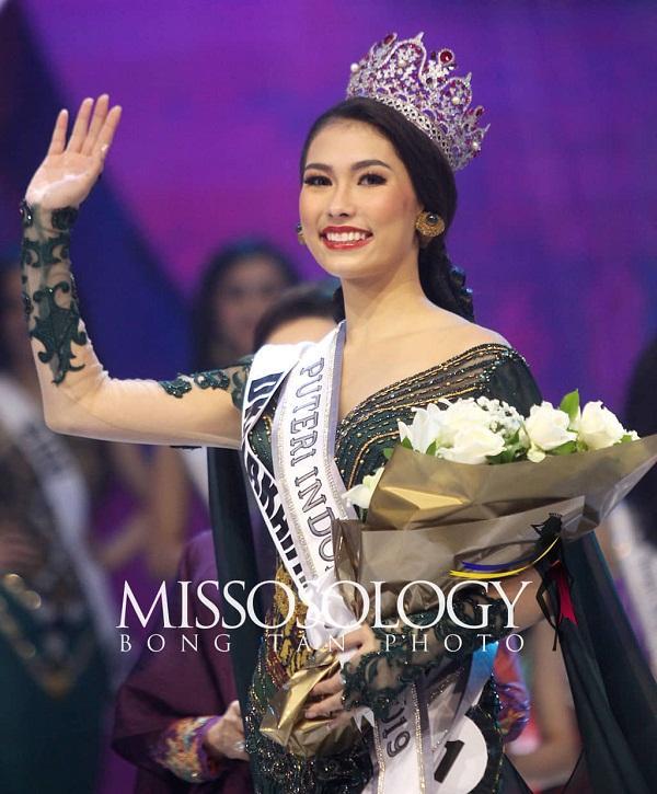 Lộ diện 18 thí sinh đầu tiên tại Miss Universe 2019: Quá nhiều nhan sắc nặng ký đang đe dọa Hoàng Thùy-12
