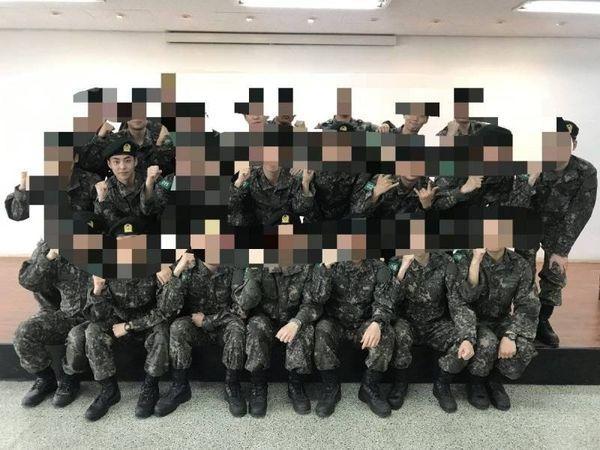 Rò rỉ ảnh Xiumin (EXO) trong quân đội, fan mong anh tự chăm sóc sức khỏe và hoàn thành trách nhiệm-3