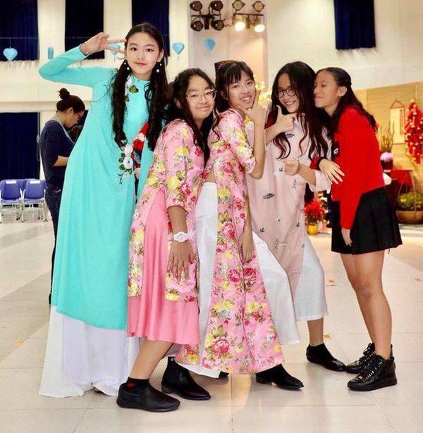 Con gái nhà Quyền Linh: Cô chị được khen giống Trương Bá Chi, cô em lại là bản sao hoàn hảo của mẹ-4