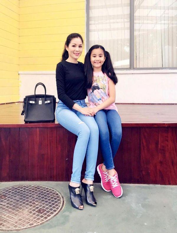 Con gái nhà Quyền Linh: Cô chị được khen giống Trương Bá Chi, cô em lại là bản sao hoàn hảo của mẹ-7