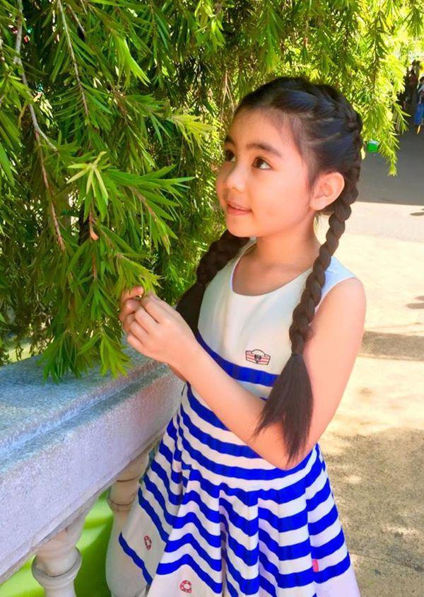Con gái nhà Quyền Linh: Cô chị được khen giống Trương Bá Chi, cô em lại là bản sao hoàn hảo của mẹ-9