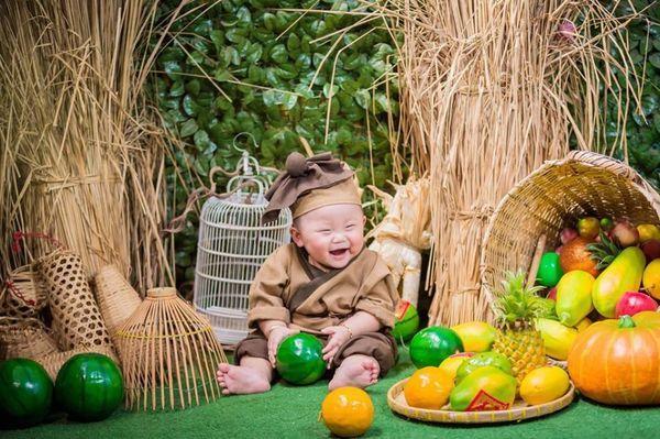 'Bản sao nhí' 10 tháng tuổi của HLV Park Hang Seo gây sốt MXH, hội chị em thi nhau khen lấy khen để-2