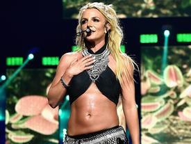 Britney Spears đăng clip nhảy múa trước thông tin giải nghệ