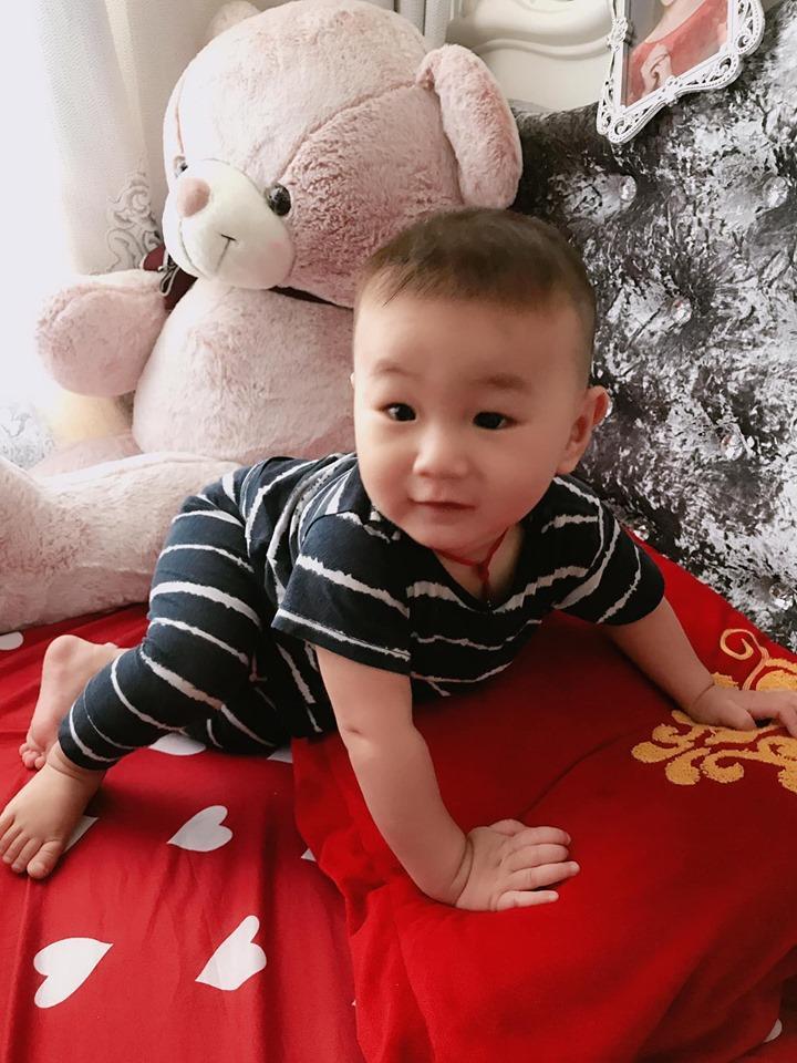 Lâm Khánh Chi xinh đẹp khoe ảnh con trai cưng, fan khen hết lời-3