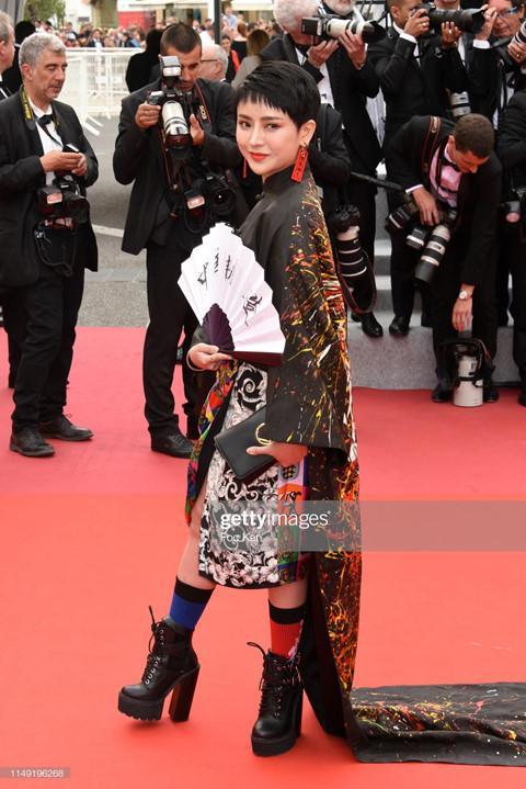 Mặc hở bạo, diễn trò lố - nghệ sĩ Trung Quốc đang biến Cannes thành cái chợ-2
