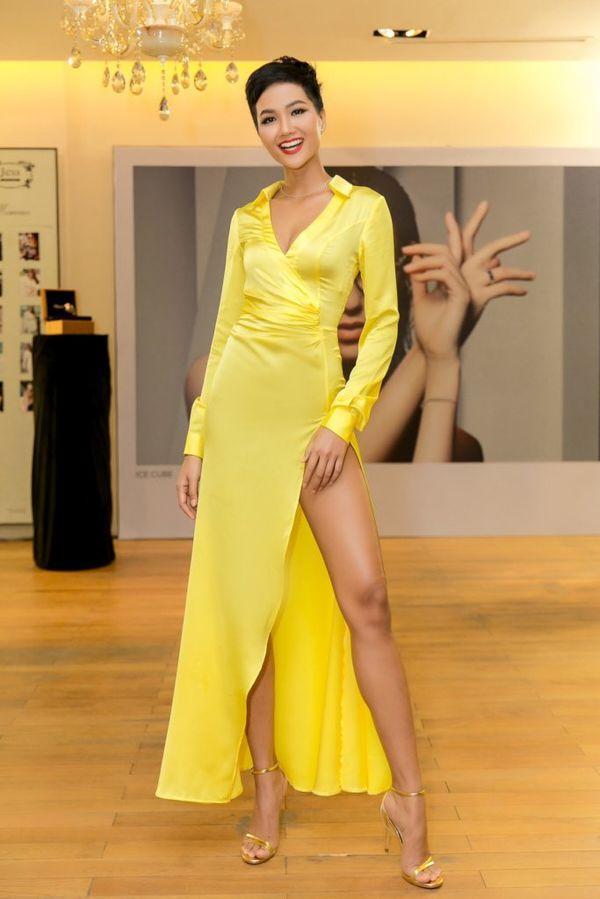 HHen Niê - Hương Giang: Những tưởng khác xa, ai ngờ lại có sở thích thời trang giống nhau đến thế-2