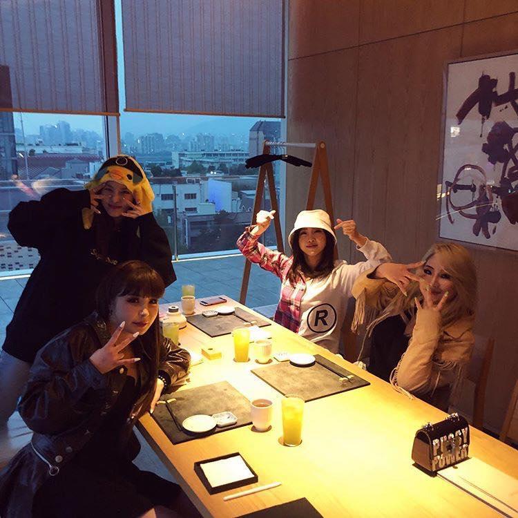 Kim Woo Bin vui vẻ đi du lịch cùng Jo In Sung và Lee Kwang Soo sau thời gian điều trị ung thư-4