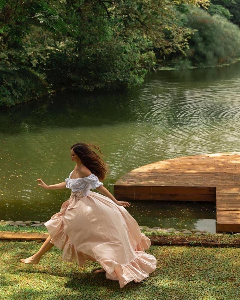 Bản tin Hoa hậu Hoàn vũ 18/5: Võ Hoàng Yến chặt đẹp từ Pia tới Hoàng Thùy với thời trang mặc cũng như không-9