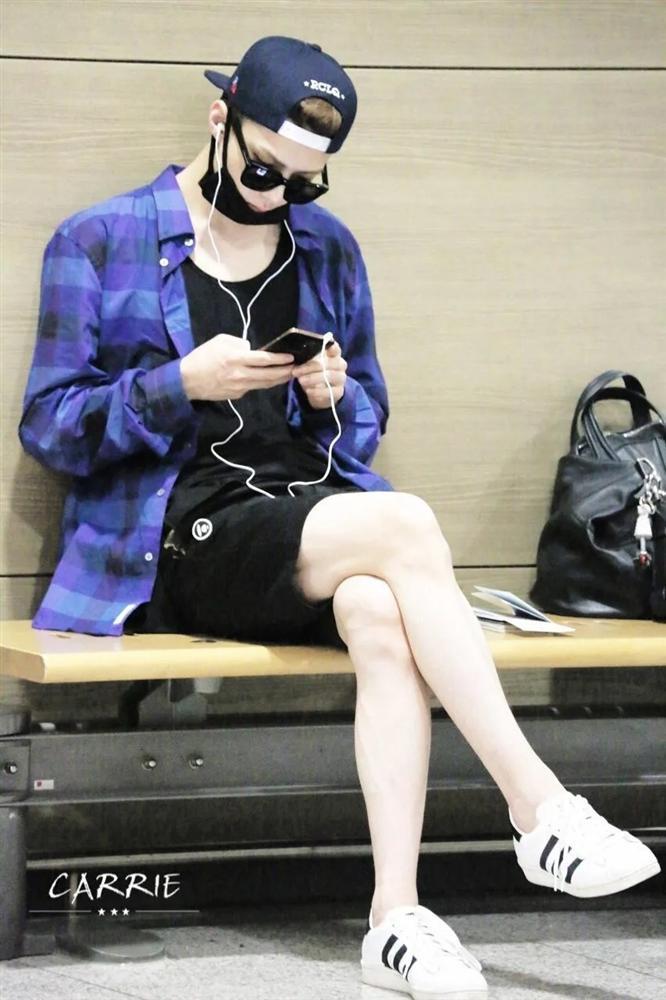 Ngoài Lee Min Ho, Kbiz còn đầy rẫy mỹ nam sở hữu đôi chân cực phẩm, đến phái đẹp cũng phải ghen tị-9