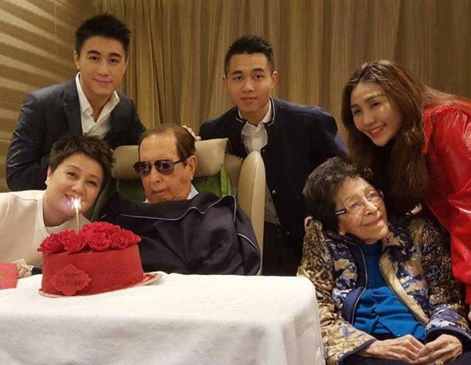 Quý tử 9X của vua sòng bạc Macau vội cưới siêu mẫu để tranh tài sản?-3