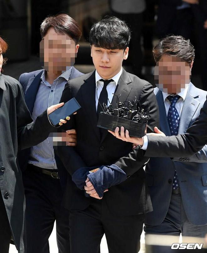 Seungri thừa nhận cáo buộc mua dâm sau nhiều ngày chối tội-1