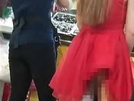Chụp ảnh cô gái váy đỏ dính tai nạn 'nhạy cảm', người đàn ông bị dân mạng chỉ trích