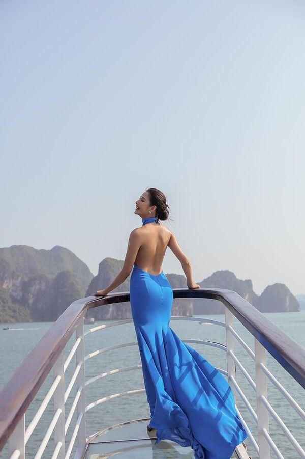 Mặc váy hở khoe trọn rãnh lưng đẹp xuất sắc, Hoàng Thùy khiến fan loạn nhịp tim-5