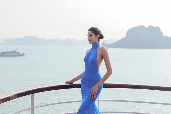 Mặc váy hở khoe trọn rãnh lưng đẹp xuất sắc, Hoàng Thùy khiến fan loạn nhịp tim-7