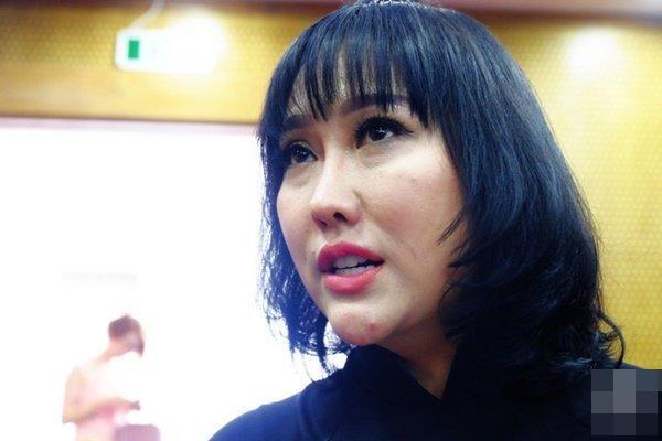 Từng nghiện trùng tu nhan sắc, dung mạo của hai nữ hoàng dao kéo showbiz Việt hiện thế nào?-11