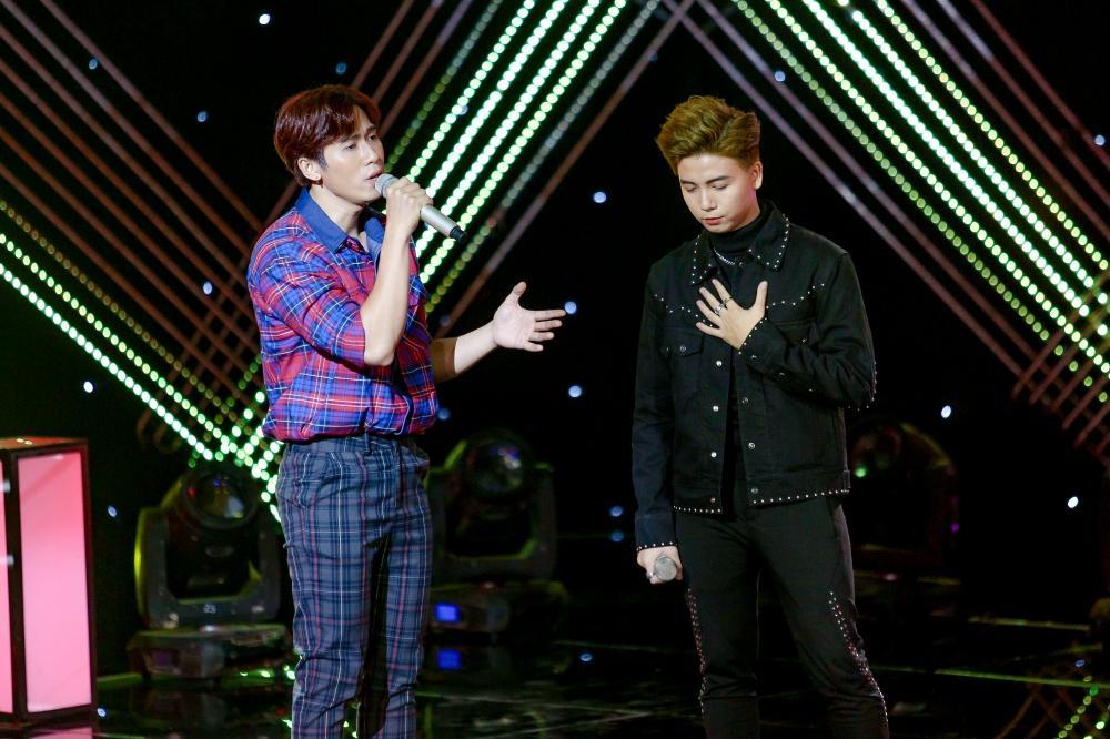The Voice: Cặp hotboy team Tuấn Ngọc bị chê hát thiếu nam tính-1