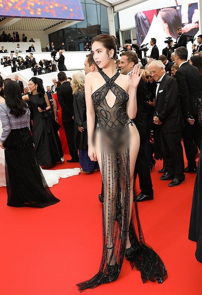 Cùng diện váy xuyên thấu chặt chém Cannes: Cổ Lực Na Trát - Hề Mộng Dao đẹp xuất sắc, nhìn sang Ngọc Trinh chỉ biết thở dài-1