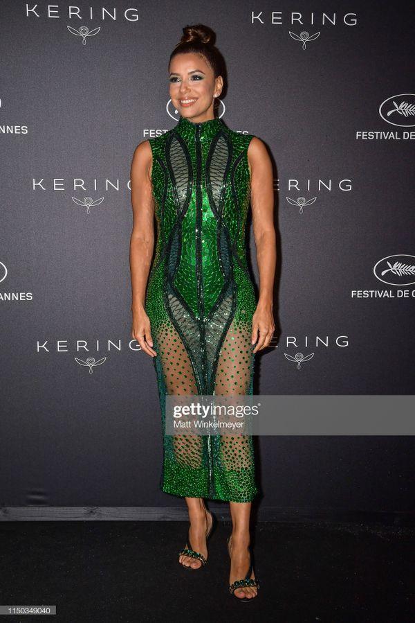 Top 10 bộ cánh thảm họa ở Liên hoan phim Cannes 2019, riêng Ngọc Trinh đã chiếm 3 bộ-12