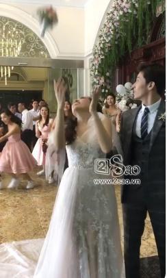 MC Nóng cùng World Cup bí mật tổ chức đám cưới với bạn trai đẹp chẳng kém hotboy, body lại thuộc hàng cực phẩm-2