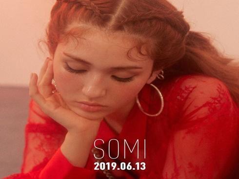 Không còn 'coming soon', poster ấn định ngày ra mắt chính thức của Somi đã có rồi đây