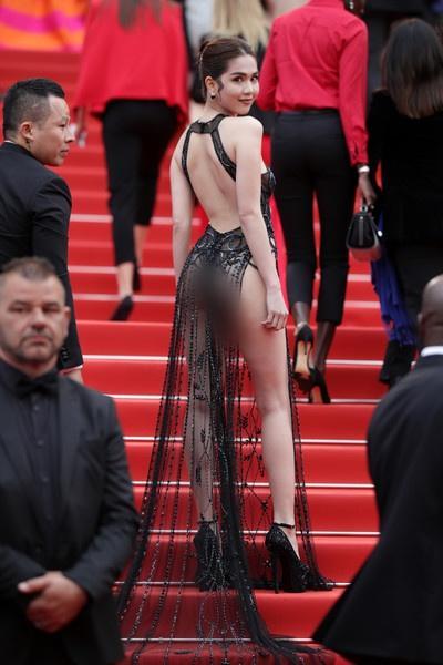 Bị chỉ trích mặc như không tại Cannes, Ngọc Trinh đáp lại: Đạt hiệu ứng thảm đỏ là được-6