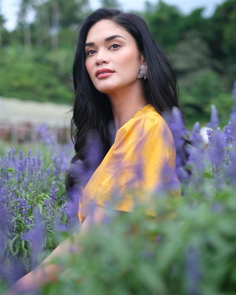 Bản tin Hoa hậu Hoàn vũ 20/5: Phạm Hương dù cố gắng trát cả cân phấn vẫn không bì nổi mặt mộc mỹ nữ Ukraina-6
