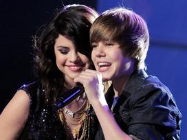 Những bài hát Justin Bieber và Selena Gomez viết cho nhau