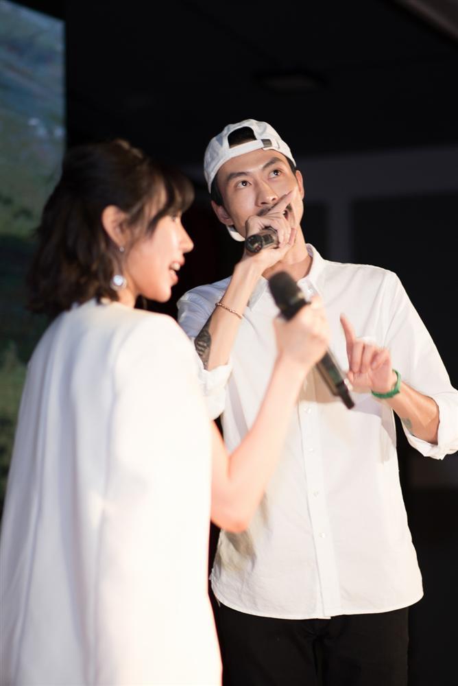 Đưa tên HHen Niê vào bài hát nhưng Đen Vâu không chịu thừa nhận mối quan hệ trên mức bạn bè với hoa hậu-4