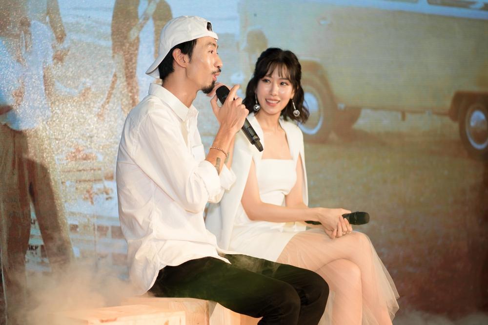 Đưa tên HHen Niê vào bài hát nhưng Đen Vâu không chịu thừa nhận mối quan hệ trên mức bạn bè với hoa hậu-5
