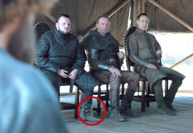 Fan phẫn nộ vì chai nước bị bỏ quên trong tập cuối Game Of Thrones-1