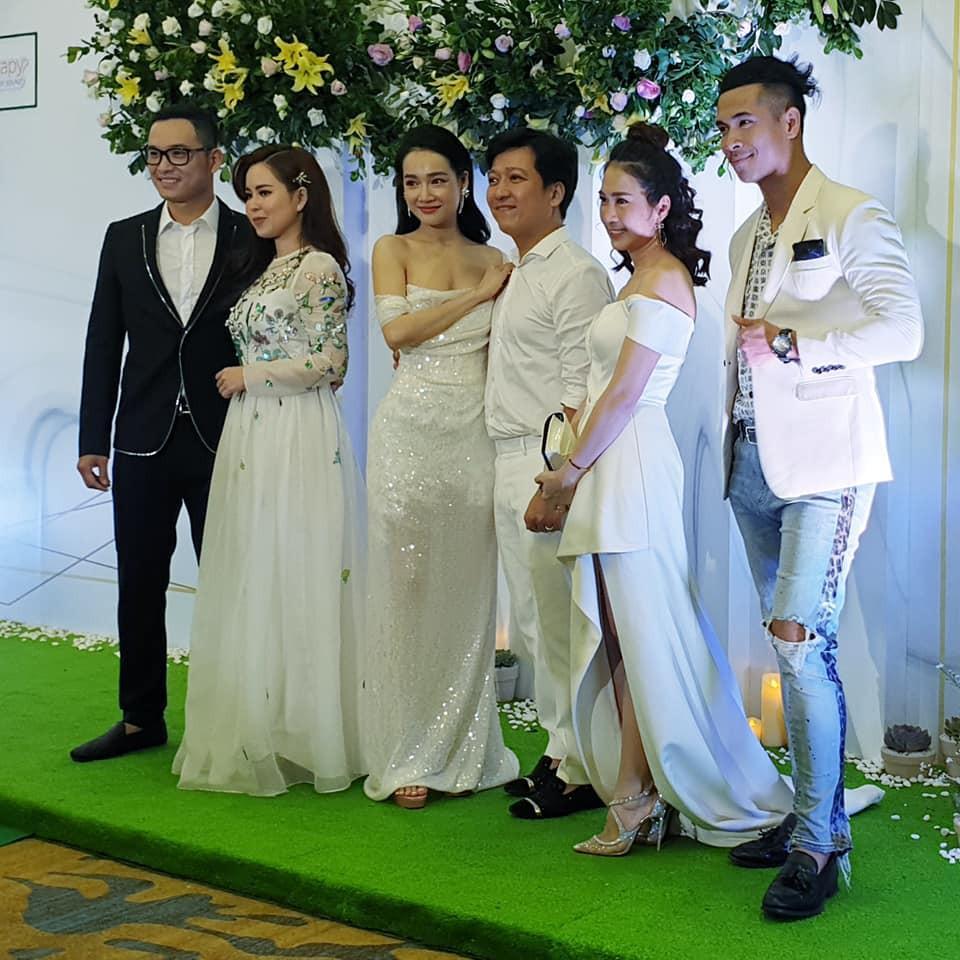Vợ chồng Trường Giang mặc đồ trắng như làm đám cưới lại vào ngày sinh nhật Nhã Phương-1