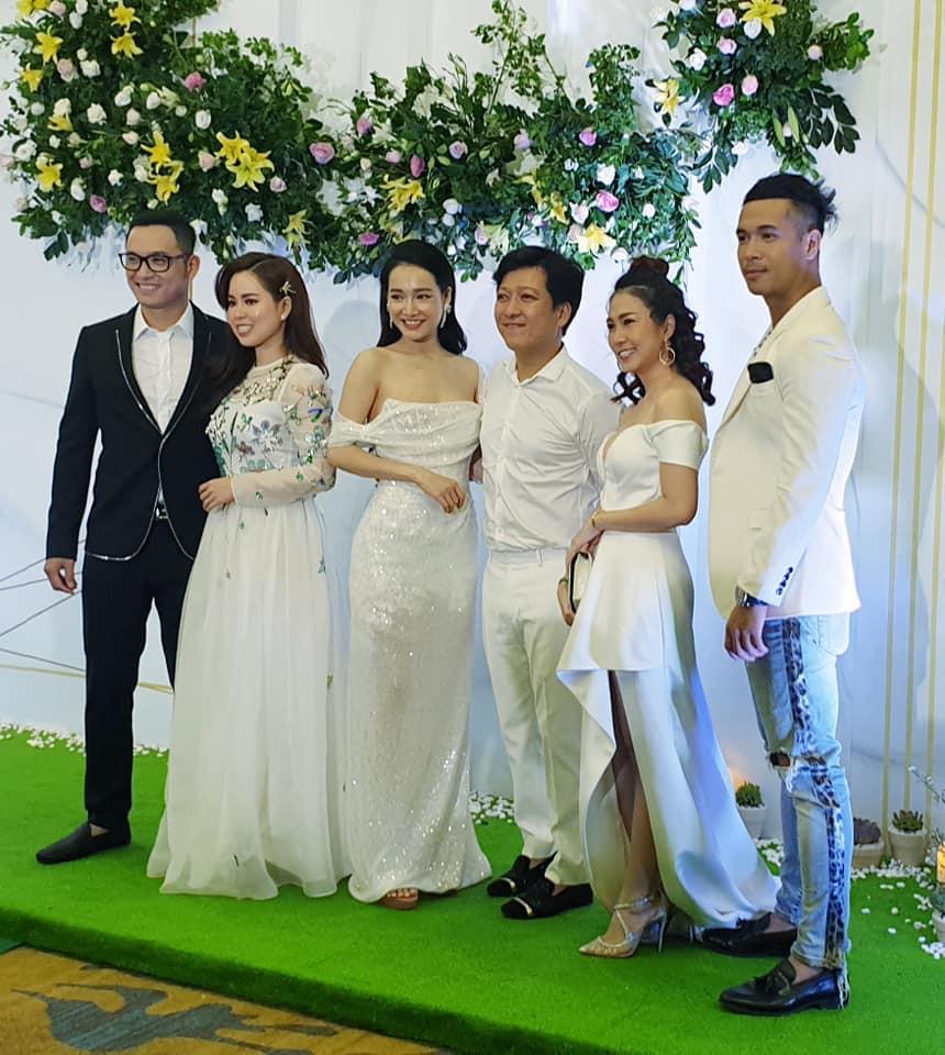 Vợ chồng Trường Giang mặc đồ trắng như làm đám cưới lại vào ngày sinh nhật Nhã Phương-2