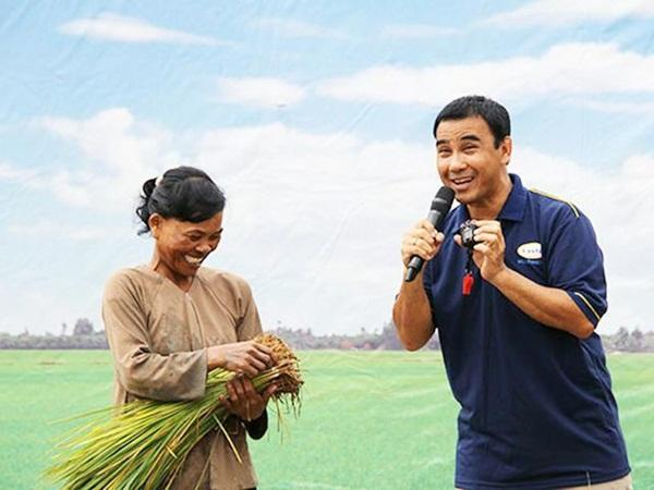 MC nông dân Quyền Linh: Những lần gian lận để giúp đỡ người nghèo-1