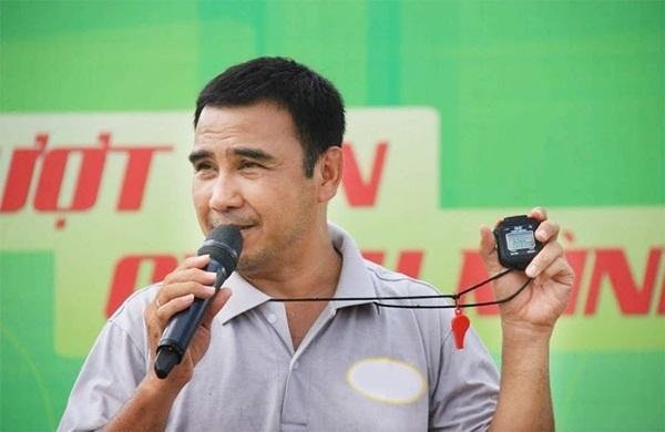 MC nông dân Quyền Linh: Những lần gian lận để giúp đỡ người nghèo-2