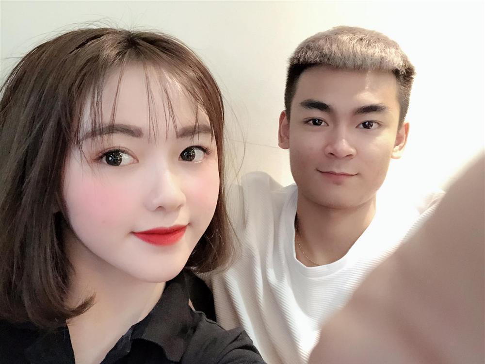 Vóc dáng nóng bỏng của Hà Phương - cô cháu gái xinh đẹp của streamer Quang Cuốn-1