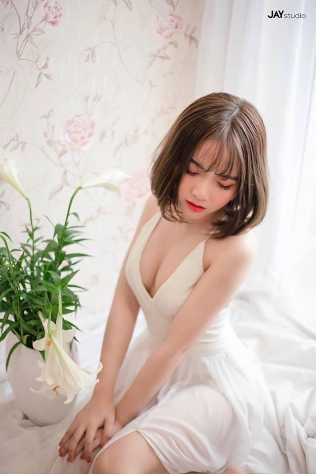 Vóc dáng nóng bỏng của Hà Phương - cô cháu gái xinh đẹp của streamer Quang Cuốn-6