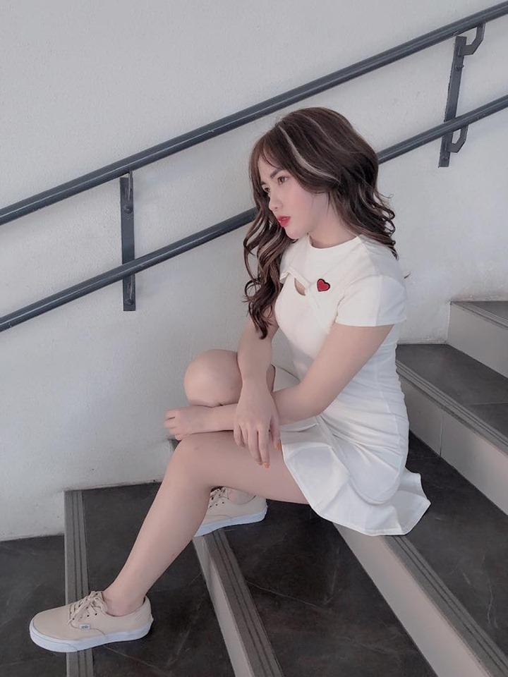 Vóc dáng nóng bỏng của Hà Phương - cô cháu gái xinh đẹp của streamer Quang Cuốn-5
