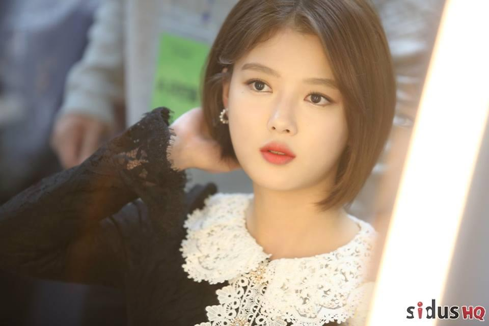 Loạt ảnh chứng minh sao nhí xinh nhất xứ Hàn Kim Yoo Jung đẹp thêm bội phần khi để tóc ngắn-7