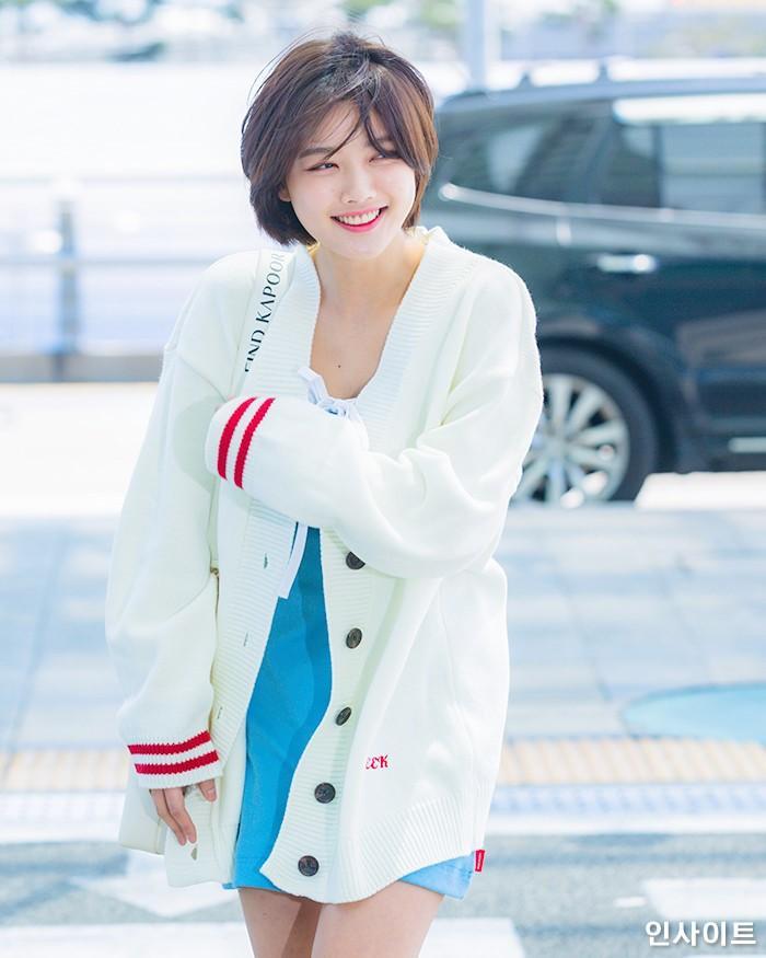 Loạt ảnh chứng minh sao nhí xinh nhất xứ Hàn Kim Yoo Jung đẹp thêm bội phần khi để tóc ngắn-12