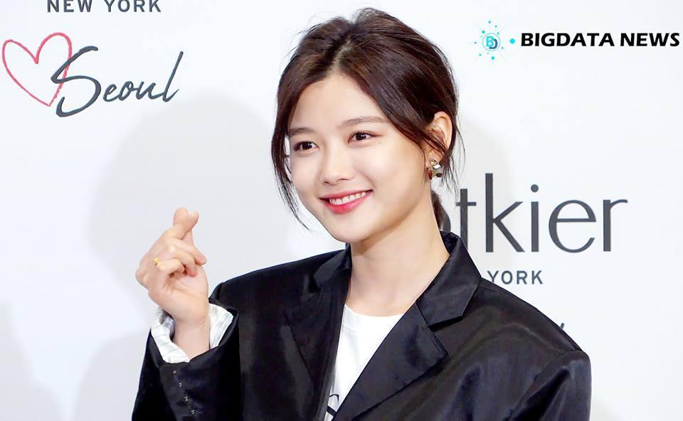 Loạt ảnh chứng minh sao nhí xinh nhất xứ Hàn Kim Yoo Jung đẹp thêm bội phần khi để tóc ngắn-14