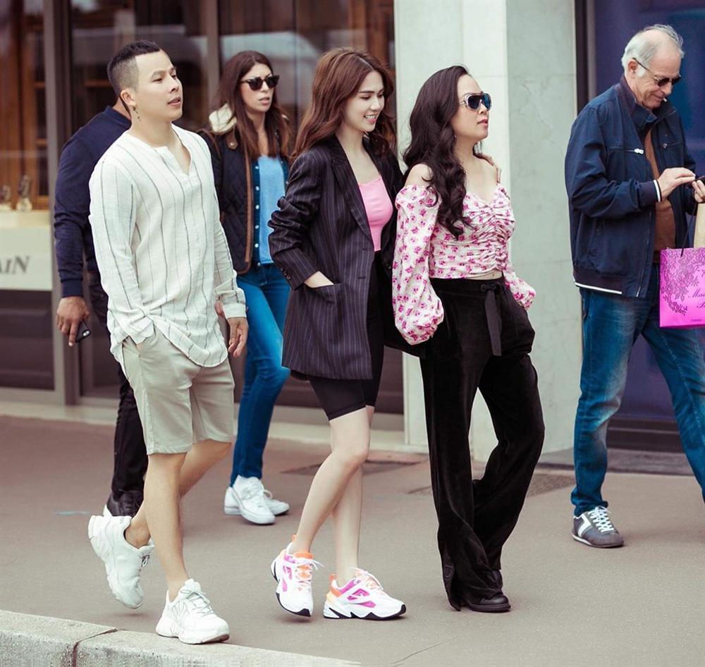 Chơi thân Ngọc Trinh nên Phượng Chanel dù hơn 40 vẫn đam mê màu hồng bất chấp lạc lối đáng sợ đến thế!-3