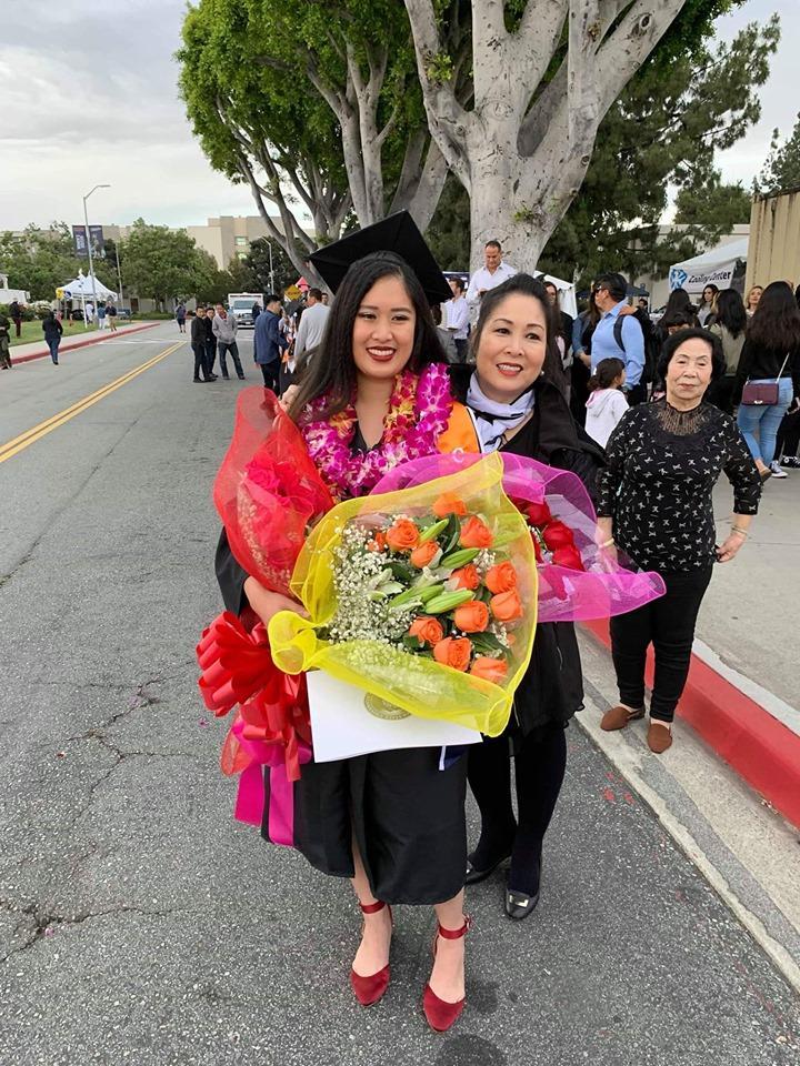 Vừa khoe con trai học hành giỏi giang, nghệ sĩ Hồng Vân lại tự hào khi gái cả tốt nghiệp ĐH danh tiếng ở Mỹ-2