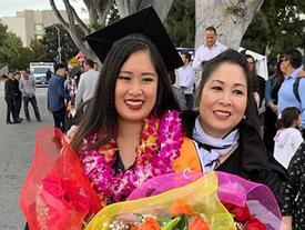 Vừa khoe con trai học hành giỏi giang, nghệ sĩ Hồng Vân lại tự hào khi gái cả tốt nghiệp ĐH danh tiếng ở Mỹ