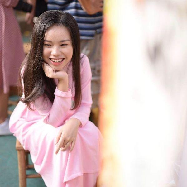 Nhan sắc ngày càng xinh đẹp của nữ diễn viên nhí thủ vai chính trong phim Vợ ba-5