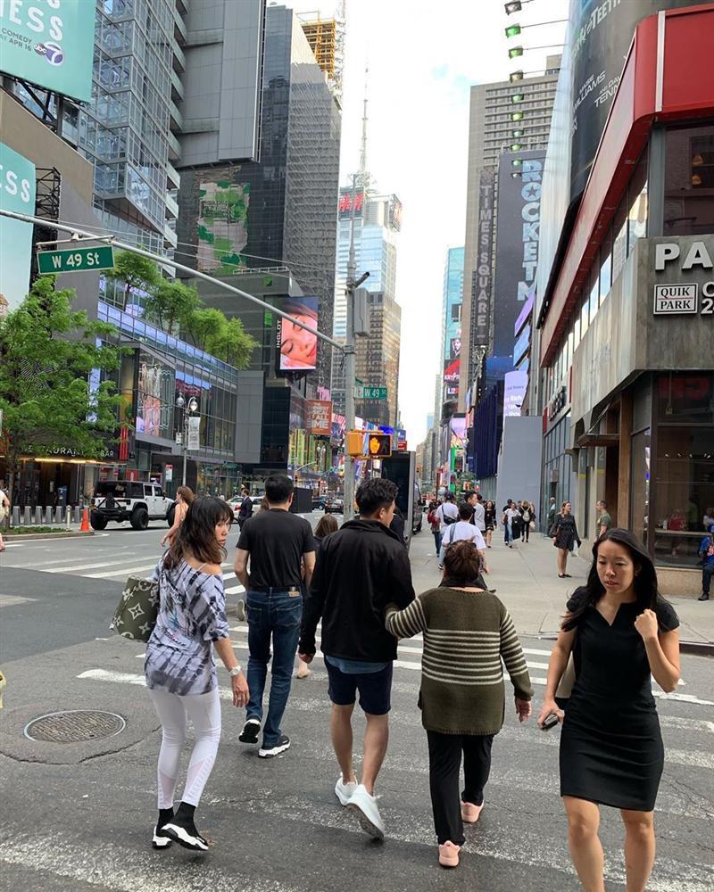 Lần hiếm hoi hoa hậu Phạm Hương khoe nhà sang chảnh tại Mỹ-4