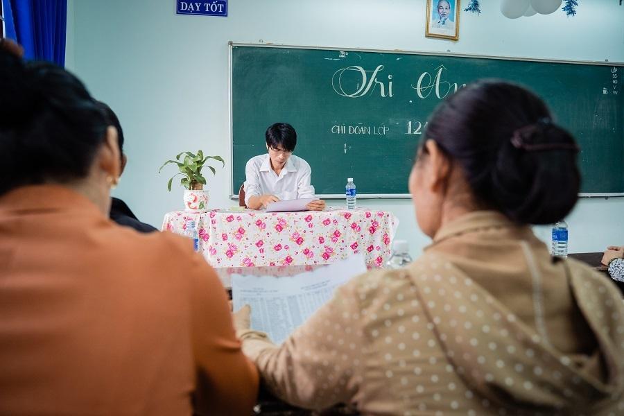 Ảnh kỷ yếu rơi nước mắt của học sinh Vũng Tàu-1